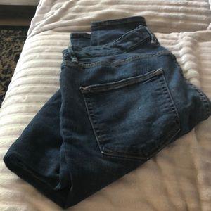 Good American jeans! 🍑